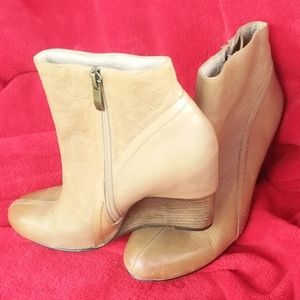 "VINCE CAMUTO Tan Leather Booties ""Size 8.5"""